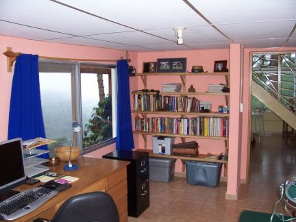 Office with wireless high-speed internet and Satelitte TV.