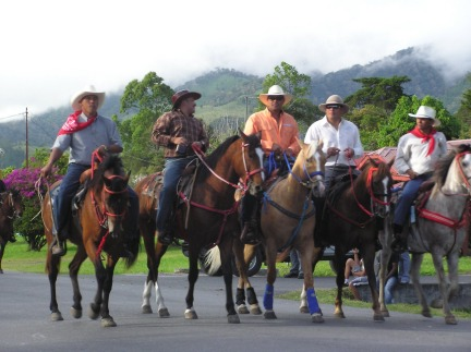 Volcan horse riders do it in style