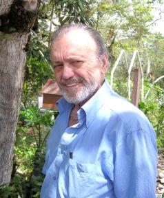 Dr. Mario Vahos Perez