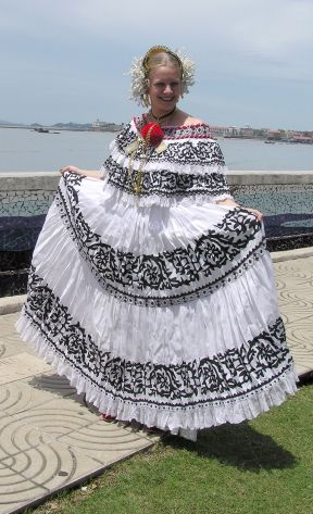 Panamanian Dresses