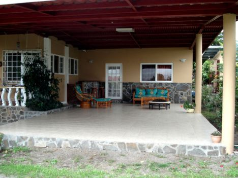 700 square foot covered patio