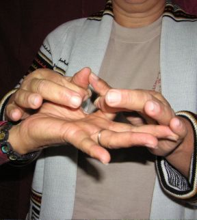 The linked fingers are key to the diagnosis system