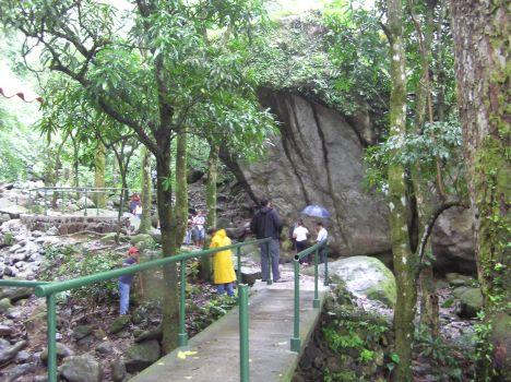 IPAT bridge to El Valle petroglyph s