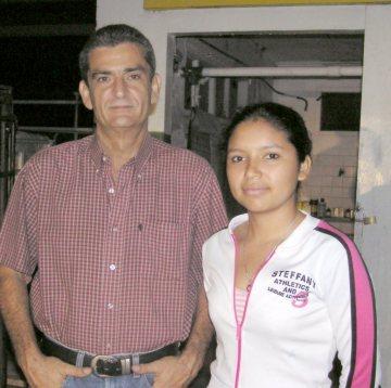 Dr. Reinaldo Armas and assistant