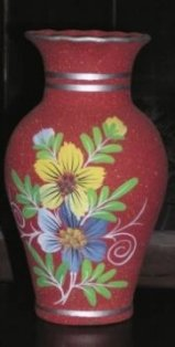 This decorative vase and other handcrafted items offer enterprising people a great business oppotunity in Panama while helping an industrious community.